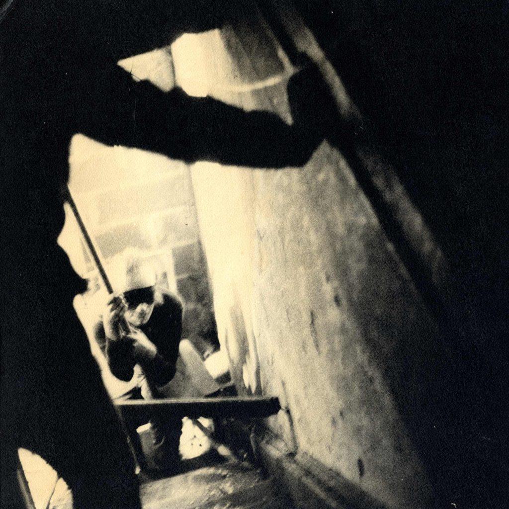 Vito Acconci: CLAIM (1971)