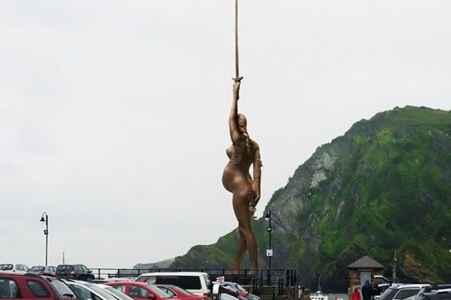 20120705 185946 Damien Hirst Statue Proposed as 'Angel of the West' in Ilfracombe