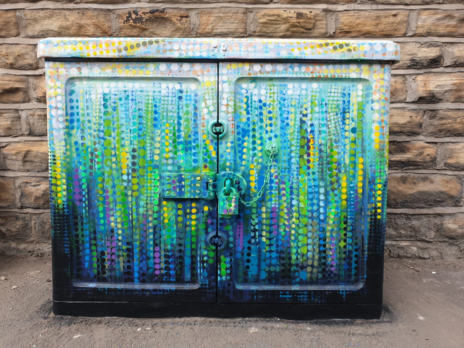 Kelham Weir - telecoms box painted by Kieran Flynn