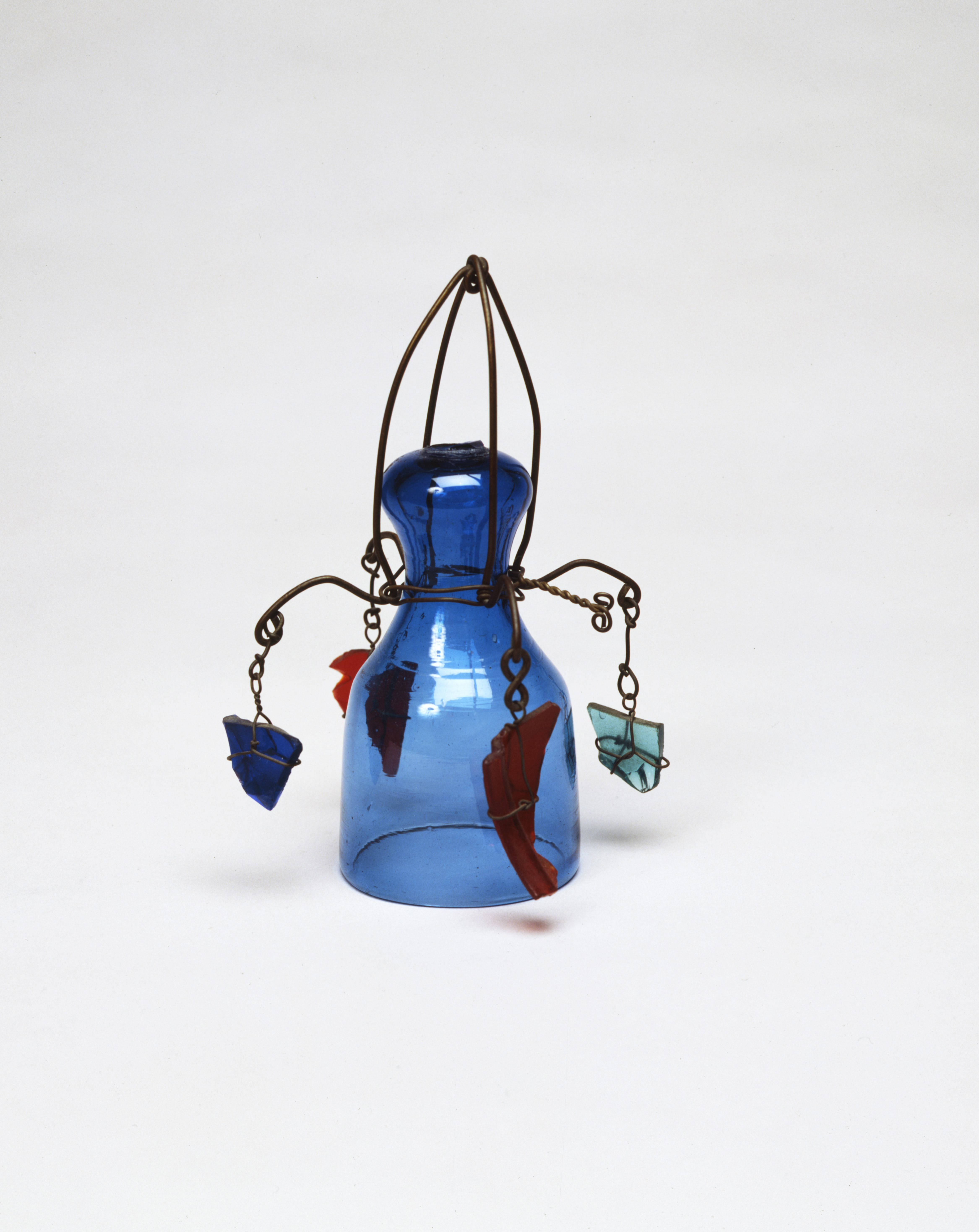 Alexander  Calder    Dinner  bell  c.  1942  Glass  and  wire  17.5  x  10.8  x  9.5  cm  /  6  7/8  x  4  1/4  x  3  3/4  in