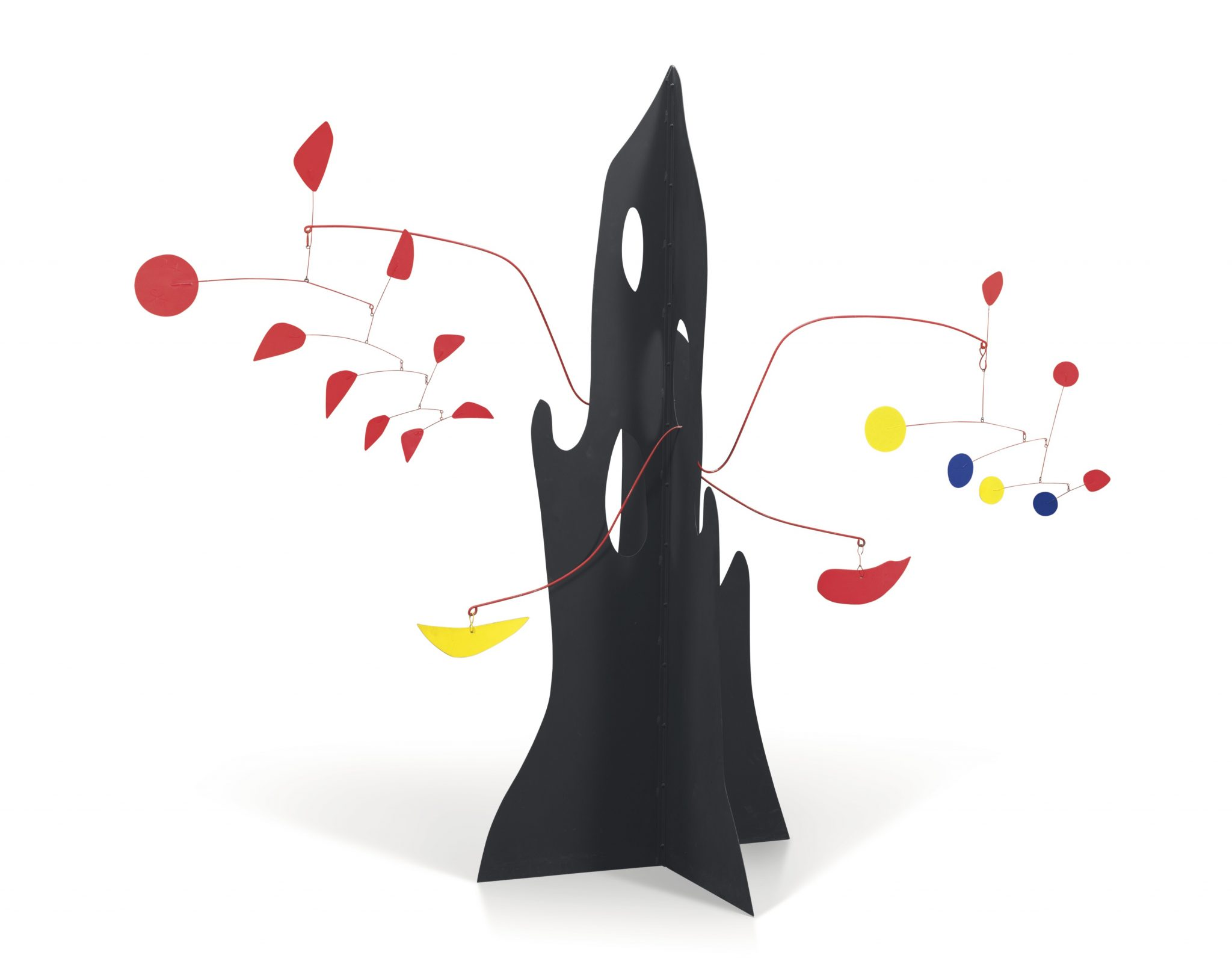 Alexander Calder, Crag with Yellow Boomerang and Red Eggplant, 1974, Láminas de metal pintado y alambre, 198.1 x 238.7 x 104.1cm, Pictures courtesy of Mayoral