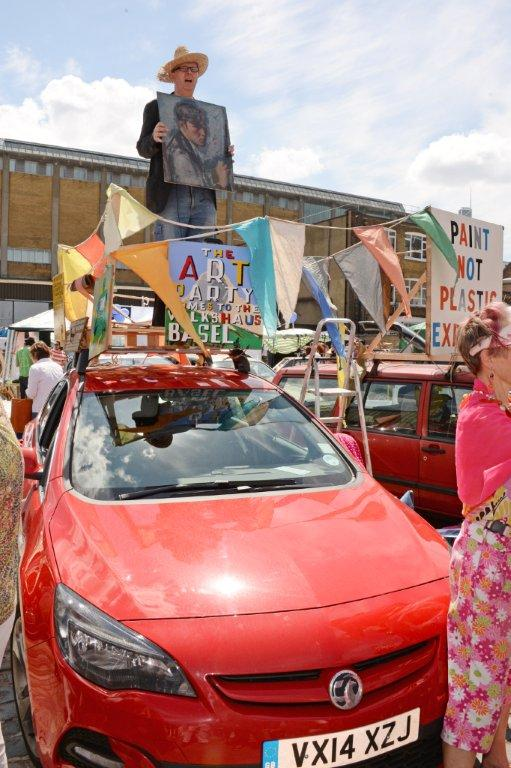 Bob and Roberta Smith at the Vauxhall Art Car Boot Fair (32)