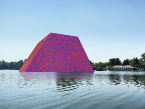 Christo & Jeanne-Claude, still for The London Mastaba AR (Hyde Park), 2020. Courtesy of Acute Art. FAD MAGAZINE