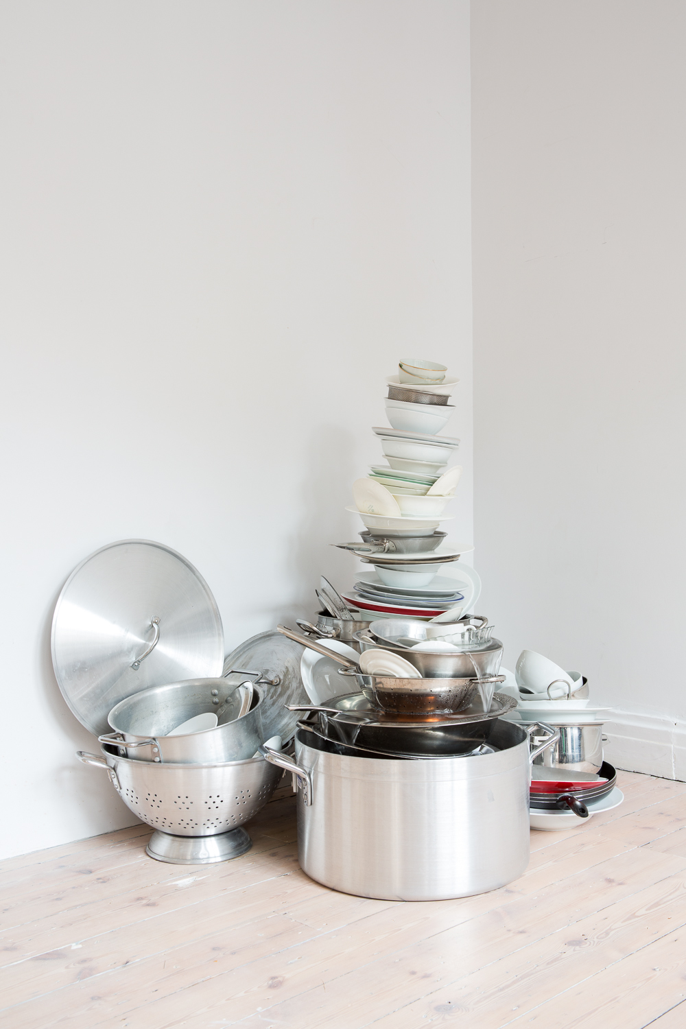 Delfina Abbas Akhavan (Iran/Canada, WELL from VARIATIONS ON GHOSTS & GUESTS, 2011 Pots, pans, water