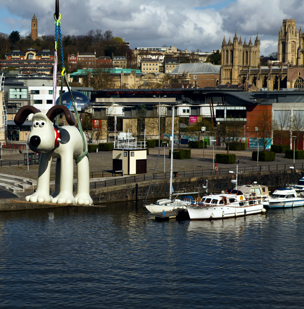 For press 3 lowres Massive sculpture of Gromit unleashed !