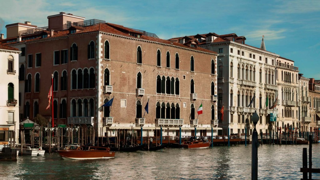 Hotel_Exterior_Grand_Canal