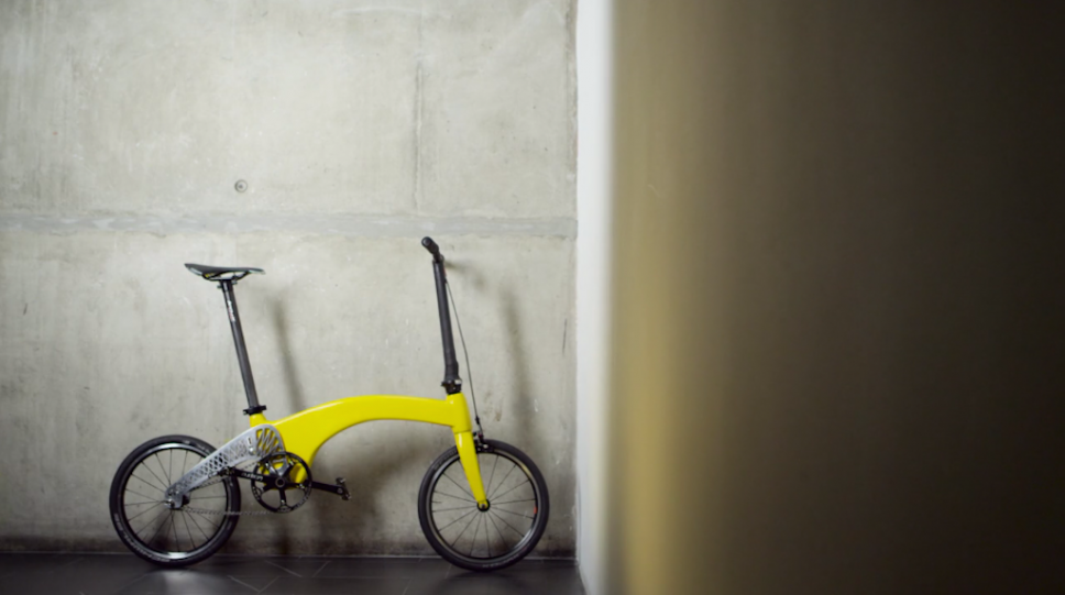 The-Hummingbird-Bike-is-made-out-of-carbon-fibre-and-weighs-only-6.5 kg