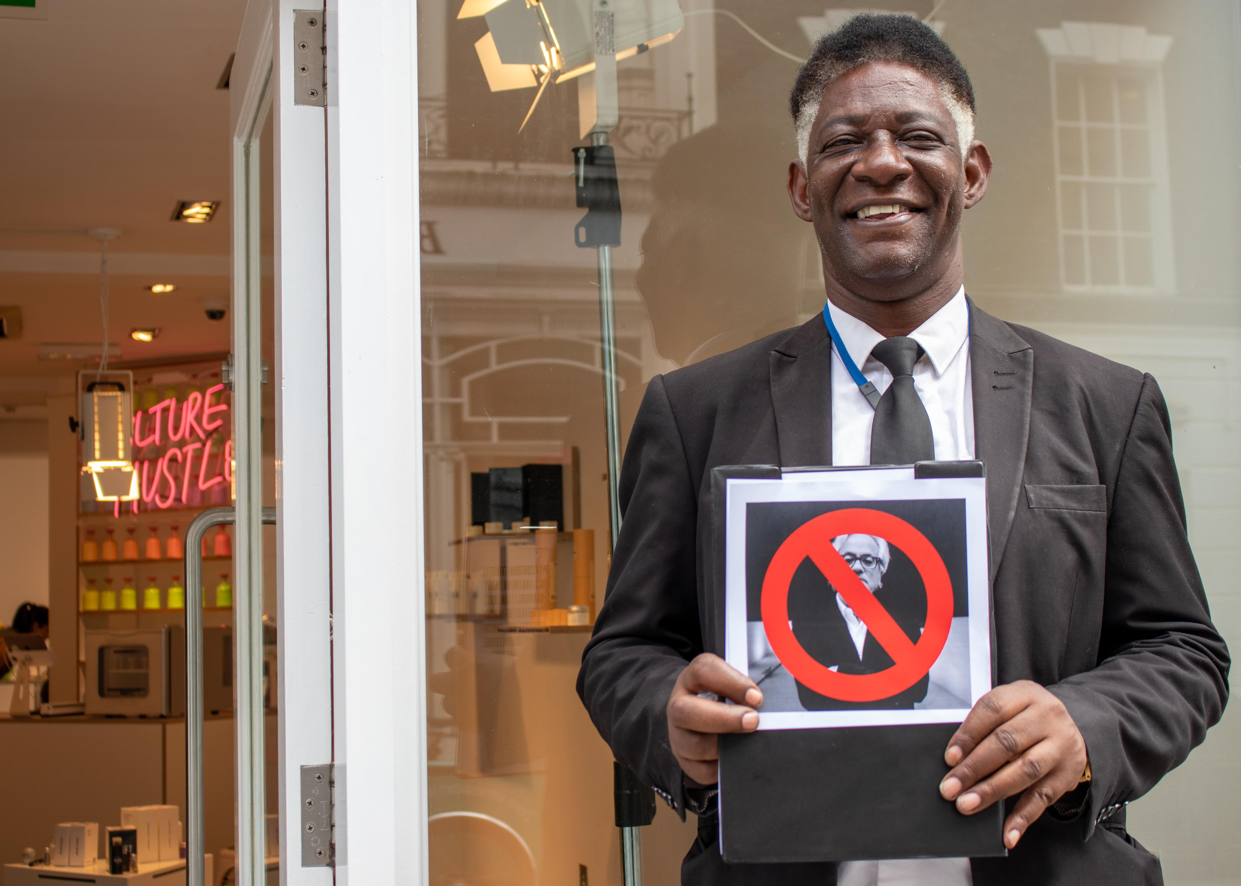 World renowned artist Anish Kapoor banned from Mayfair 'ArtShop' in ongoing feud. - FAD Magazine