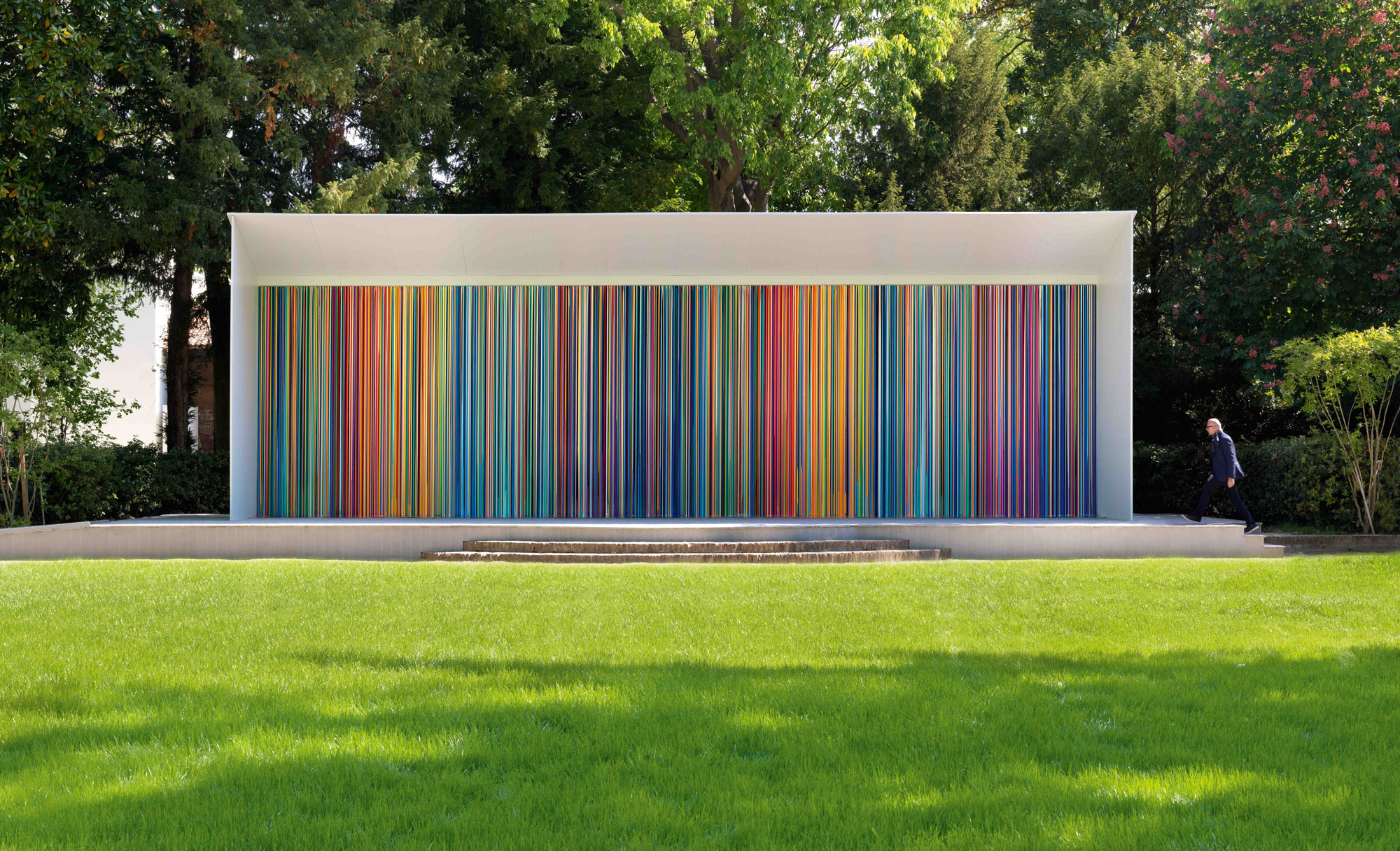 "British artist Ian Davenport creates a ""Giardini Colourful"" for Swatch at The Venice Biennale"