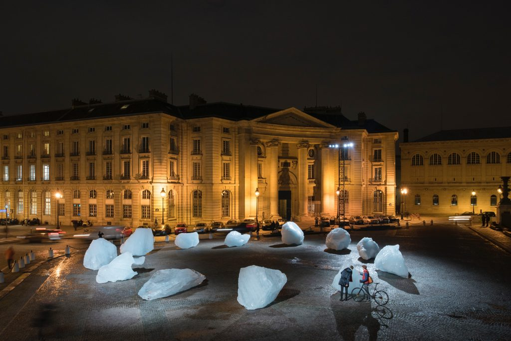Olafur Eliasson and Minik Rosing Ice Watch, 2014 12 ice blocks Place du Panthéon, Paris, 2015 Photo: Martin Argyroglo Courtesy of the artist; neugerriemschneider, Berlin; Tanya Bonakdar Gallery, New York / Los Angeles © 2014 Olafur Eliasson FAD magazine