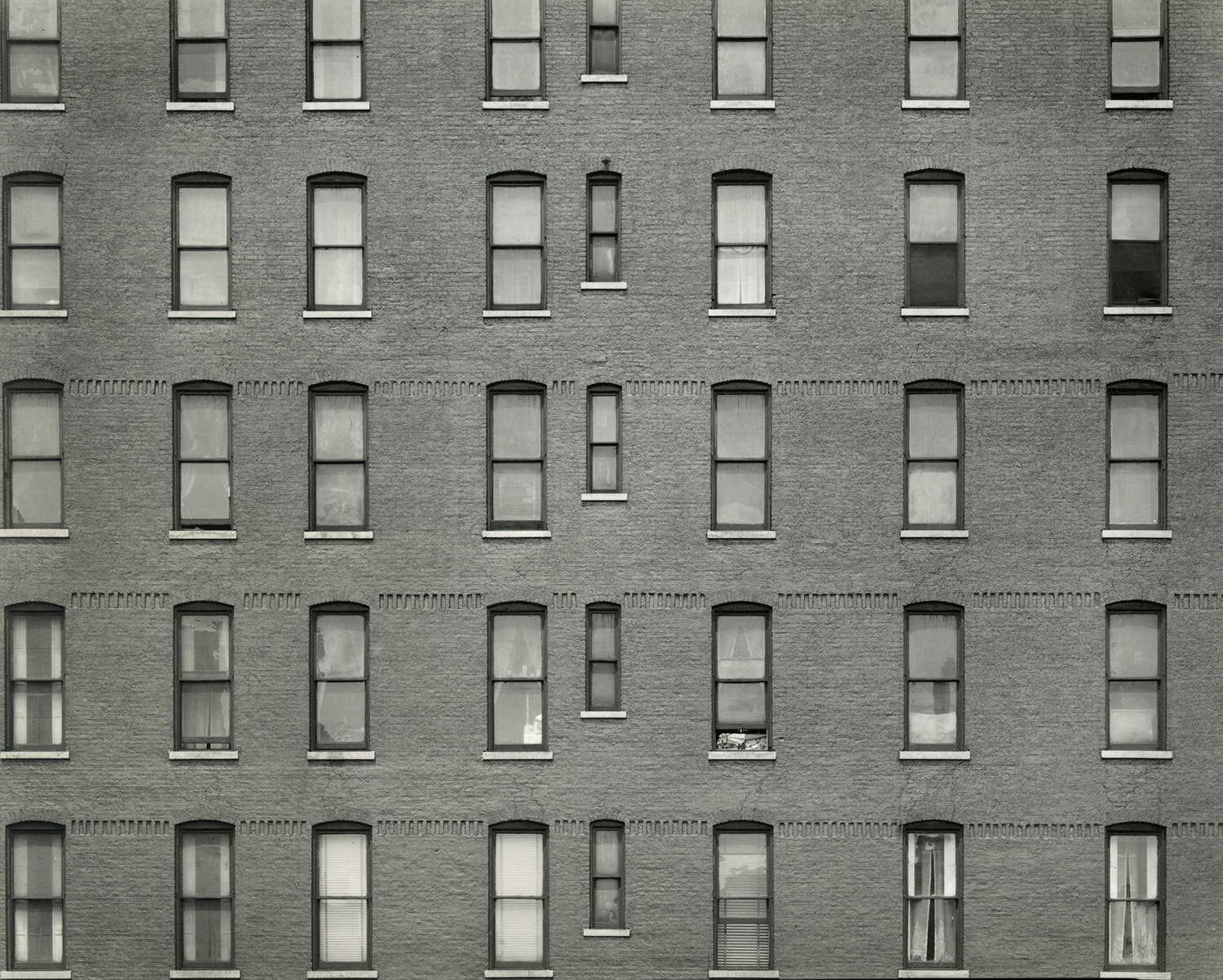 Chicago by Harry Callahan c.1949  - © The Estate of Harry Callahan