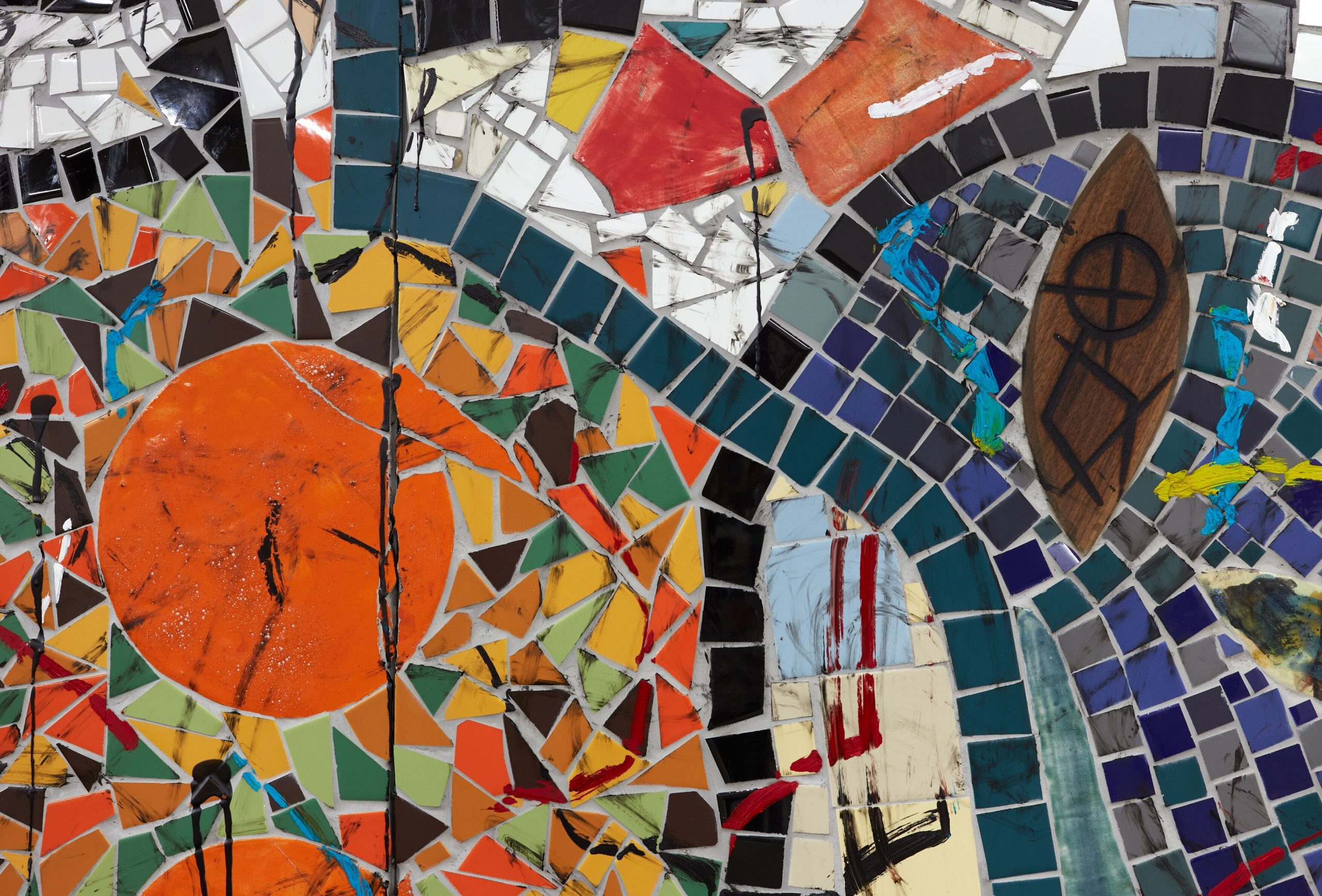 Rashid Johnson?The Broken Five (detail)?2020?Ceramic tile, mirror tile, spray enamel, oil stick, black soap, wax?250.2 x 430.5 cm Photo: Martin Parsekian FAD magazine