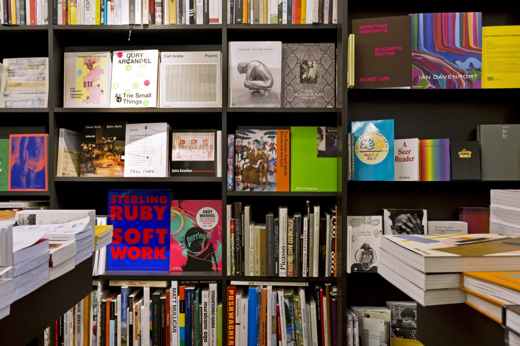 Whitechapel Gallery and the Authors' Club launch eight new awards