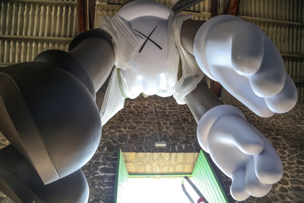 La Nave (Lio Malca) Kaws Sculpture, by The Vitorino002
