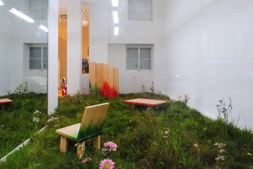 The most recent pop up, opposite the V&A, featured a meadow by Jacques Nimki.