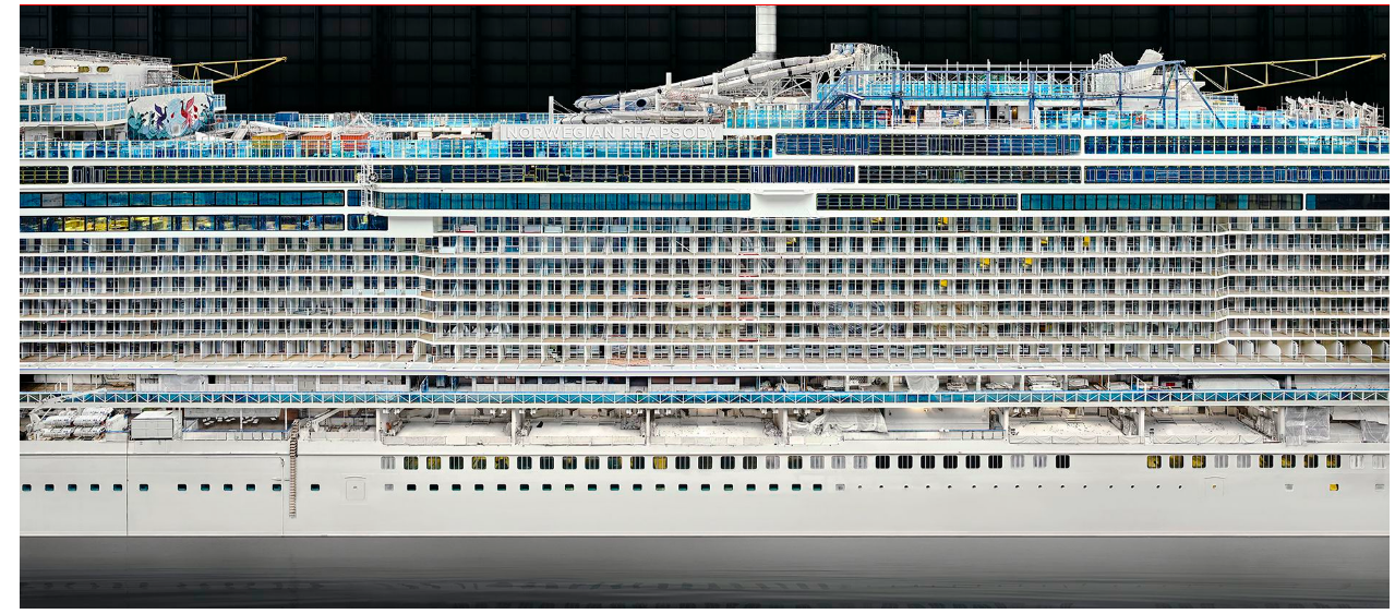 Andreas Gursky Space is Time online now