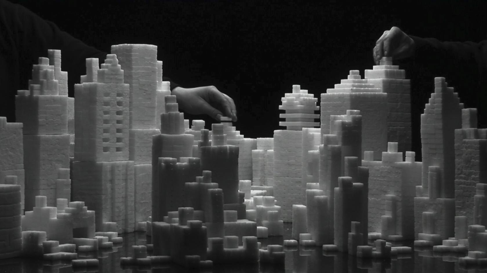 Staging-Silence-II-Video-Still-1 op de beek