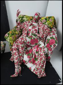 Tim Walker, Richard Quinn, floral chair and living mannequin, London, 2016 (c) Tim Walker Studio, Courtesy Michael Hoppen Gallery FAD Magazine
