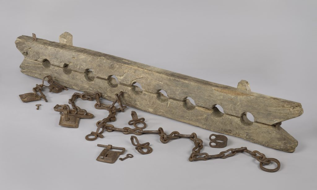 Unknown, Multiple leg cuffs for chaining enslaved people, with 6 loose shackles, ca. 1600-1800. Amsterdam, Rijksmuseum, schenking van de heer J.W. de Keijzer, Gouda