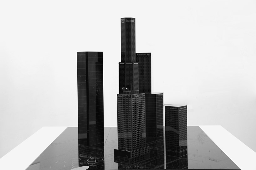 bank-robbery-under-black-carpets-designboom02