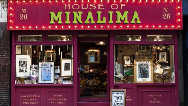 harry-potter-and-fantastic-beasts-graphic-art-at-house-of-minalima-