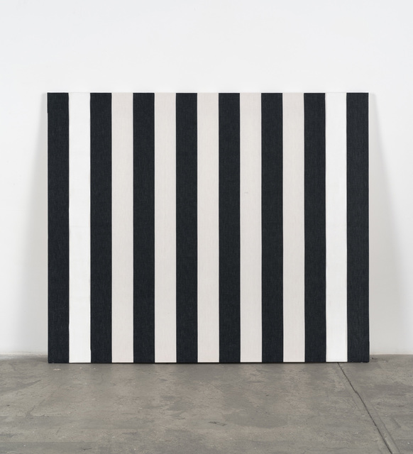 DANIEL BUREN Peinture acrylique sur tissu rayé de bandes blanches et noires, 1973 Acrylic paint on black and white striped cotton canvas