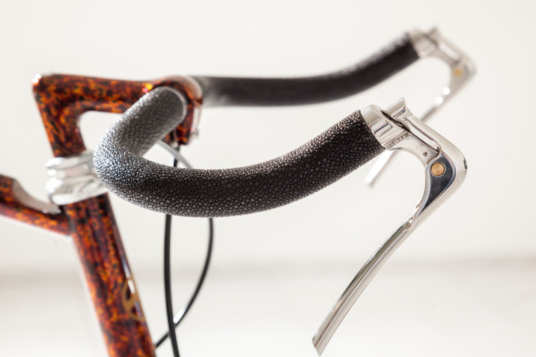 limited-edition-vanhulsteijn-bicycles-on-display-at-paul-smith-milano-2