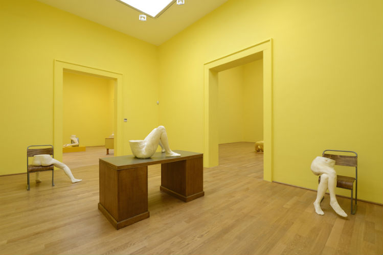 sarah-lucas-british-pavilion-at-the-venice-art-biennale05