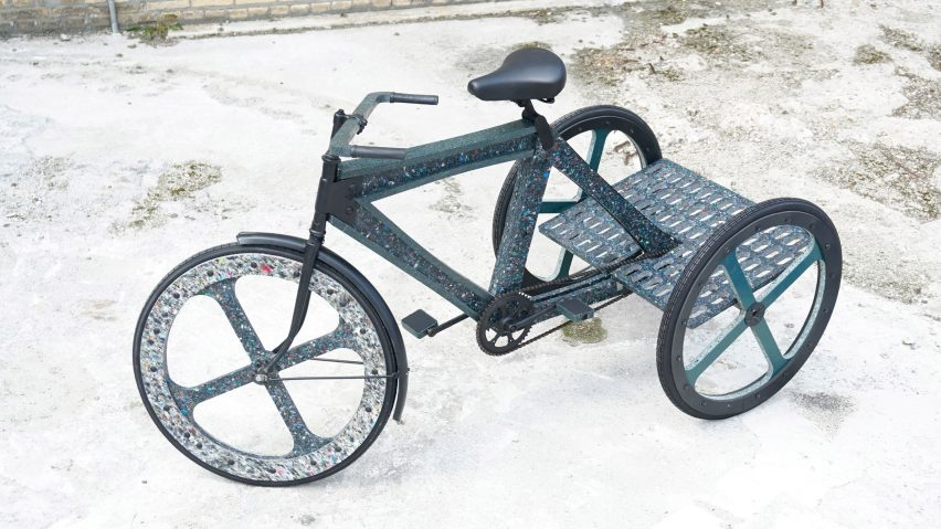 thomas-hoogewerf-tackles-congestion-mexico-city-recycled-plastic-bicycle_