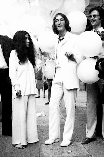 Image: Yoko Ono, John Lennon and Robert Fraser at 69 Duke Street, London, on 1st July 1968.