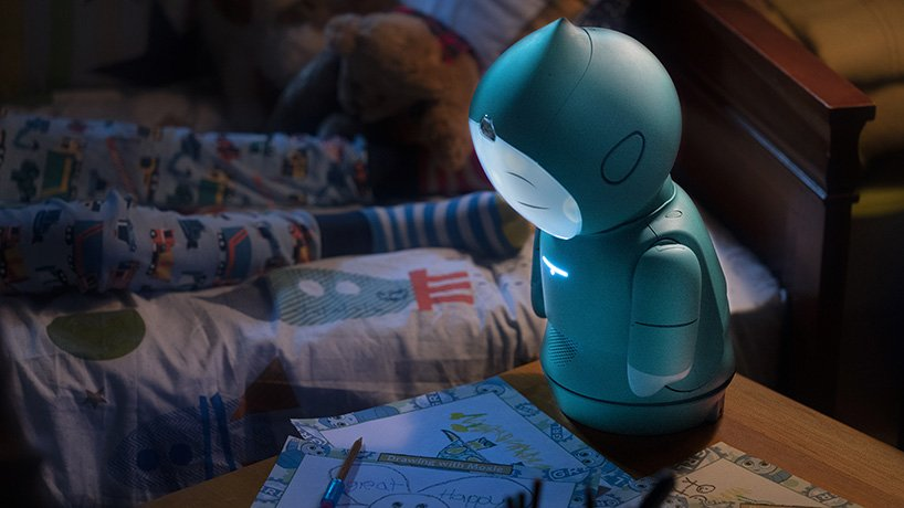 FAD MAGAZINE yves-behar-moxie-robot